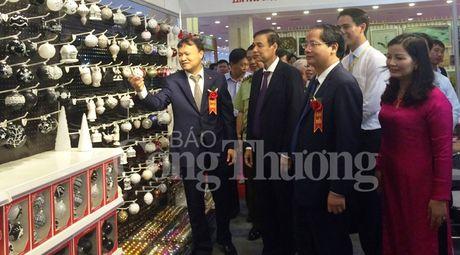 Khai mac Hoi cho qua tang hang thu cong my nghe Ha Noi 2016 - Anh 5