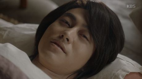 May hoa anh trang tap 17: Thai tu Lee Young bat ngo bi ha doc - Anh 6