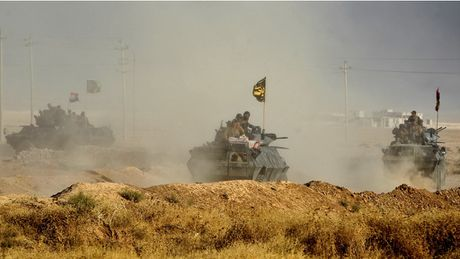 Iraq tien cong thanh tri IS o Mosul - Anh 1