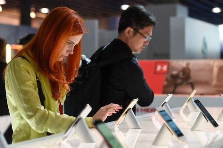 Se co 2 smartphone Nokia ra mat vao nam 2017 - Anh 1