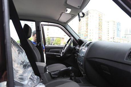 Soi chi tiet xe Nga thue 0% tai Viet Nam - Anh 6