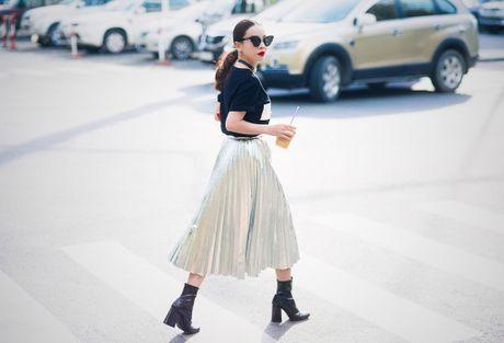 Yen Trang - Yen Nhi lang xe loat xu huong thu dong - Anh 4