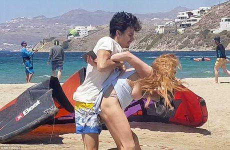 Lindsay Lohan lo anh than mat voi doanh nhan Hy Lap - Anh 5