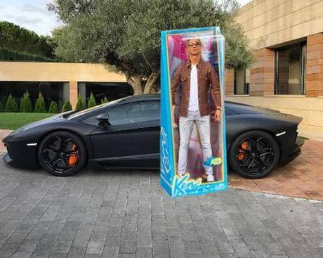 Ronaldo hoa nguoi doi, sieu xayda va tho sua xe - Anh 2
