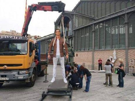 Ronaldo hoa nguoi doi, sieu xayda va tho sua xe - Anh 4