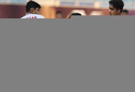 Hoa kien cuong UAE, U19 Viet Nam van bi che te tat - Anh 1