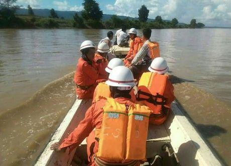 Chim pha tai Myanmar, hang tram nguoi thiet mang va mat tich - Anh 1