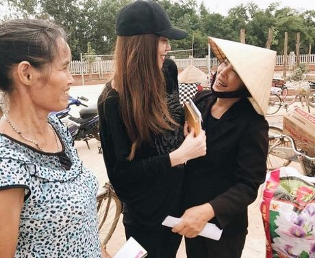 Ho Ngoc Ha dua Subeo ve Quang Binh lam tu thien - Anh 10
