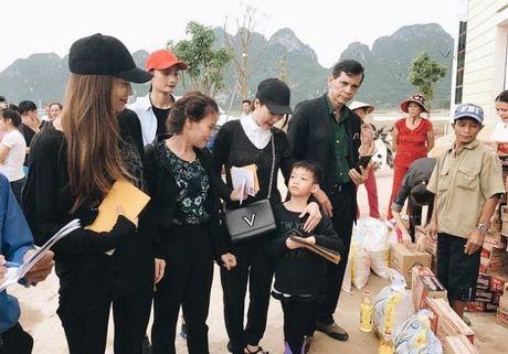 Ho Ngoc Ha dua Subeo ve Quang Binh lam tu thien - Anh 2
