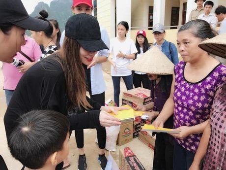 Ho Ngoc Ha dua Subeo ve Quang Binh lam tu thien - Anh 5