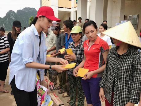 Ho Ngoc Ha dua Subeo ve Quang Binh lam tu thien - Anh 6