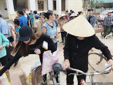 Ho Ngoc Ha dua Subeo ve Quang Binh lam tu thien - Anh 7