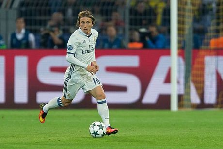 CAP NHAT tin toi 18/10: Modric gia han hop dong voi Real Madrid. Mkhitaryan bi Dortmund mia mai - Anh 3
