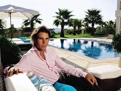 Kiem bon moi nam, Federer, Djokovic, Nadal dung tien de lam gi? - Anh 4