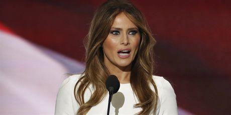 Vo ong Trump manh me cong kich doi thu va benh vuc chong: 'La do ong ay bi xui giuc' - Anh 3