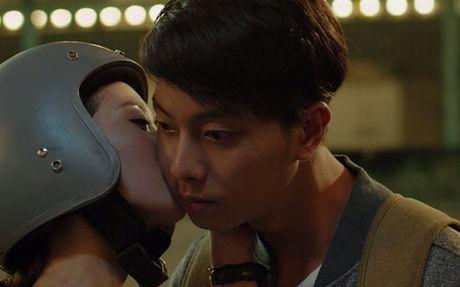 Hotgirl Jun Vu bat ngo hon ban dien Dinh Hieu - Anh 3
