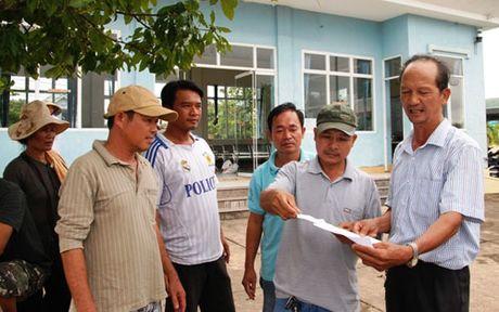 Quang Tri: Tai xe xe khach dinh cong phan doi nan xe du, xe coc - Anh 1