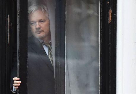 My bac bo tin yeu cau cat Internet cua nha sang lap Wikileaks - Anh 1