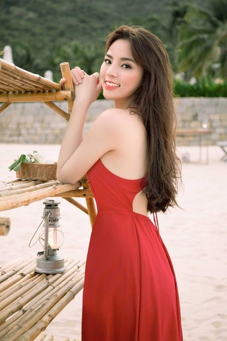 My nhan Viet khoe than hinh chu S goi cam kho cuong - Anh 13