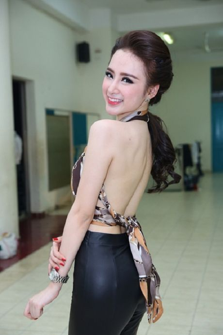 My nhan Viet khoe than hinh chu S goi cam kho cuong - Anh 7