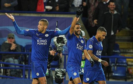 Phao sang phu san King Power trong ngay Leicester City lam nen lich su - Anh 7