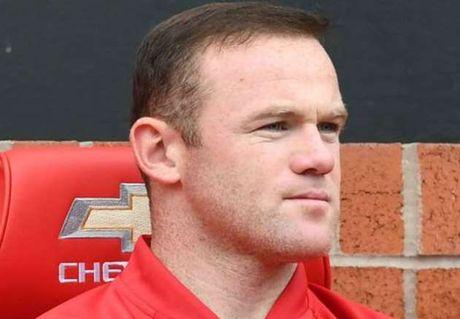 Rooney len tieng bao ve Paul Pogba - Anh 1