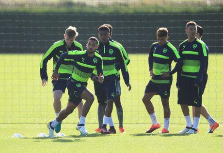 Khong the thi dau, Ramsey va Giroud van no luc tren san tap cung Arsenal - Anh 7