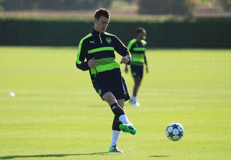 Khong the thi dau, Ramsey va Giroud van no luc tren san tap cung Arsenal - Anh 8