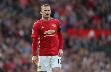 Lien tuc bi Mourinho 'tram', Rooney noi gi? - Anh 1