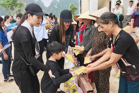 Hanh dong dep cua loat my nhan Viet dip 20/10 - Anh 4