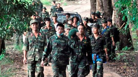 Dau don canh mo duong dua thi the 3 phi cong xuong nui - Anh 3