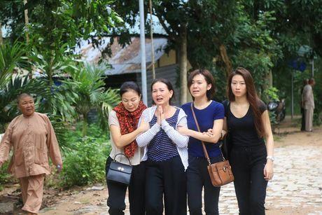 Dau don canh mo duong dua thi the 3 phi cong xuong nui - Anh 7