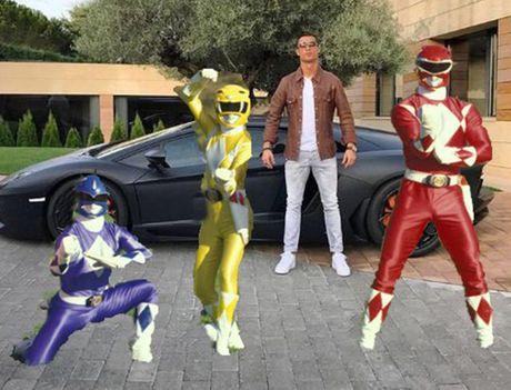 """Ronaldo bi che gieu vi khoe sieu xe nhung """"tit ngoi"""" - Anh 4"""