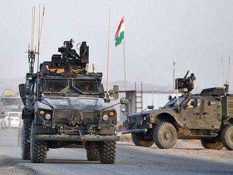 IS thuc hien chien thuat tieu tho, dot nhieu gieng dau trieu do tai Mosul - Anh 2