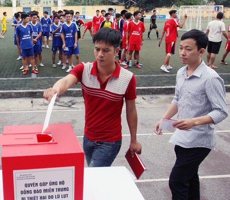 Giai bong da hoc sinh Bao ANTD se chia voi dong bao mien Trung - Anh 6