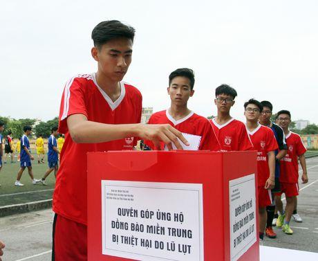 Giai bong da hoc sinh Bao ANTD se chia voi dong bao mien Trung - Anh 8