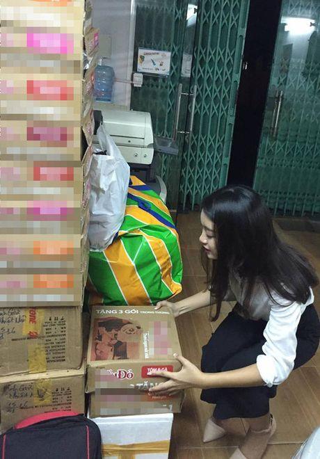 Phan Anh da nhan duoc 16 ty, Hoa hau My Linh day dut voi mien Trung - Anh 3