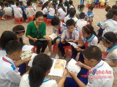 Gan 550 hoc sinh Nghi Loc tham gia ngay hoi doc sach - Anh 1