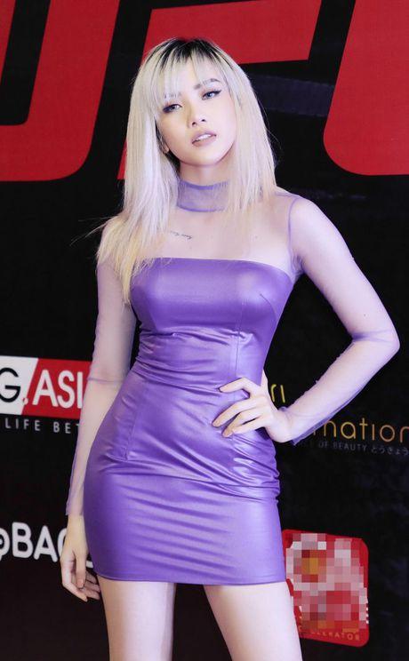 Thieu Bao Tram toc vang la lam, khoe tron voc dang nong bong - Anh 1