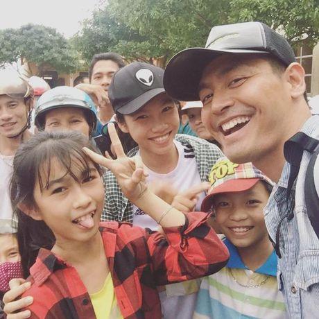 Roi Quang Binh, MC Phan Anh mang 16 ti den cuu tro dong bao Ha Tinh - Anh 1