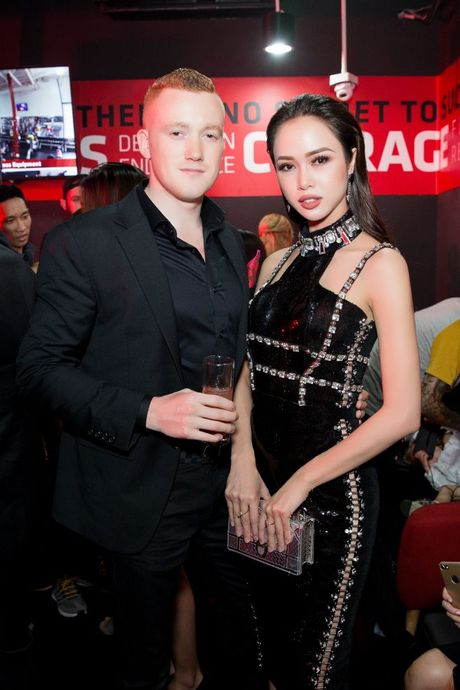 Vu Ngoc Anh trung thanh mot 'moi teu', dien thiet ke Chung Thanh Phong noi bat tai su kien - Anh 9