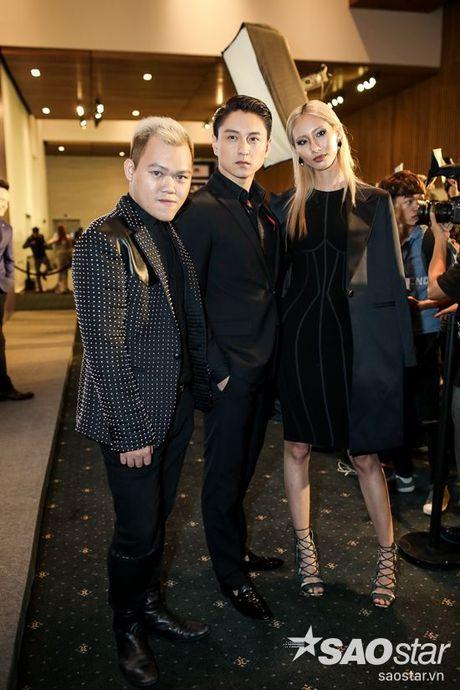 Angela Phuong Trinh dan thu cung len tham do, cung Chi Pu, Kieu Diem chiem spotlight tai Chung Thanh Phong show - Anh 16