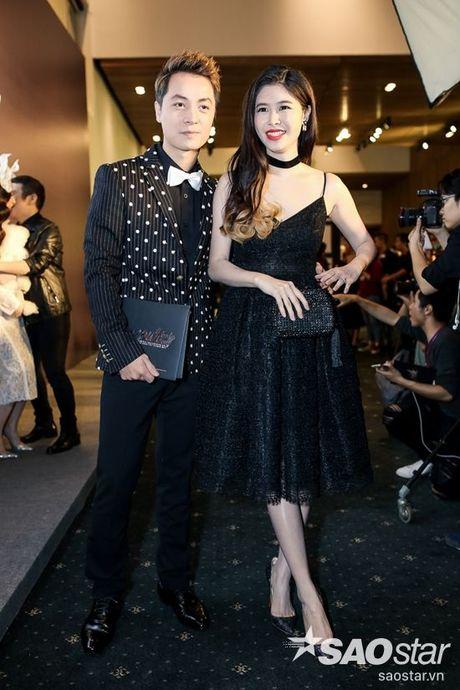 Angela Phuong Trinh dan thu cung len tham do, cung Chi Pu, Kieu Diem chiem spotlight tai Chung Thanh Phong show - Anh 27