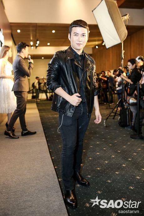 Angela Phuong Trinh dan thu cung len tham do, cung Chi Pu, Kieu Diem chiem spotlight tai Chung Thanh Phong show - Anh 9