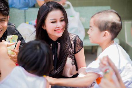 Janny Thuy Tran den My tham du Hoa hau Phu nhan Viet Nam Hoan cau 2016 - Anh 8