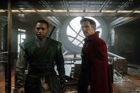 Khac biet cua nhan vat trong 'Doctor Strange' so voi truyen - Anh 8