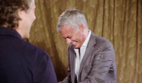 Jose Mourinho that bai trong cuoc thi DAC BIET voi... dien vien hai - Anh 5