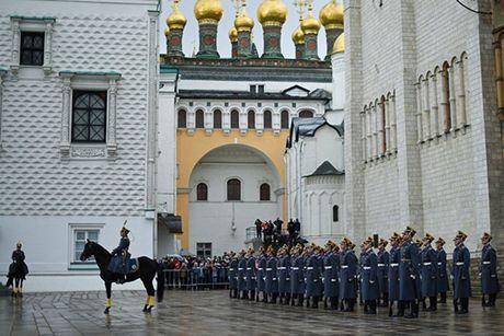 An tuong nghi thuc doi ca gac cua trung doan ve binh Kremlin - Anh 8