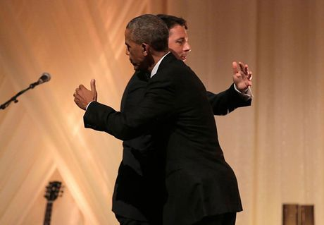 Bua tiec chieu dai cap Nha nuoc cuoi cung cua Tong thong My Obama - Anh 2
