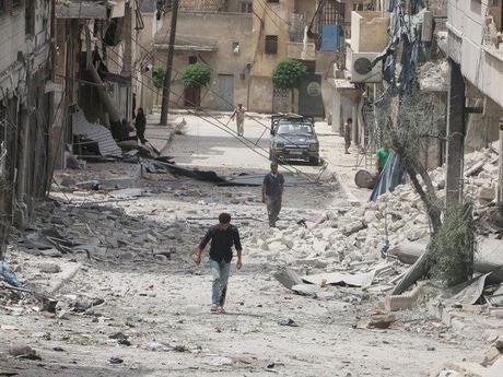 Quan doi Syria: Lenh ngung ban o Aleppo se keo dai 3 ngay - Anh 1